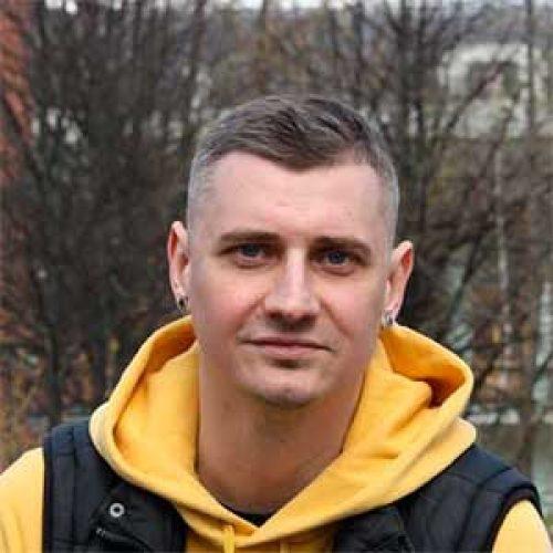 Денис Жучков